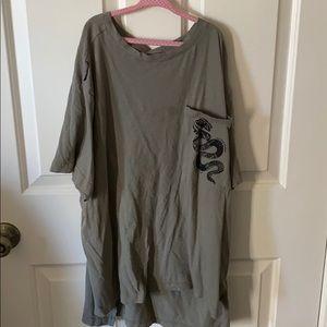 Taylor Swift oversize reputation shirt